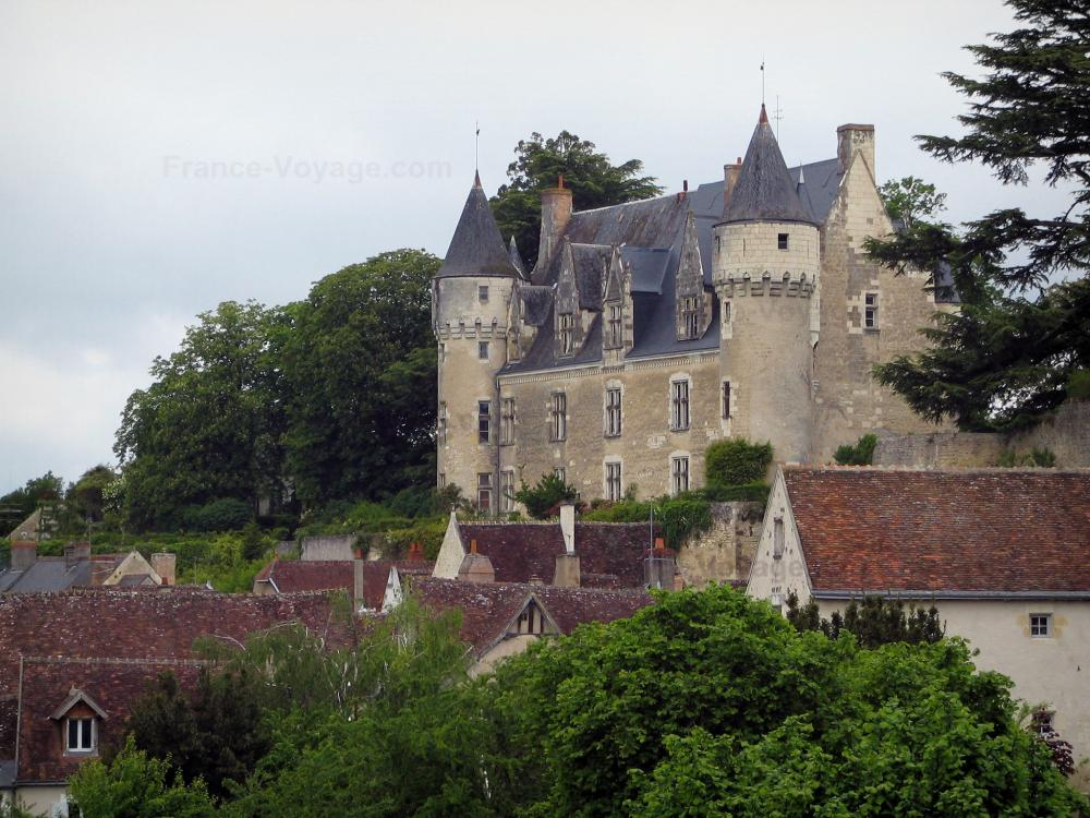 Foto montr sor guida turismo e vacanze for Case in stile castello