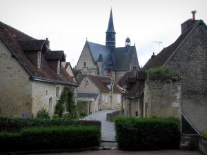 Montrésor - Collegiate church of Gothic style and houses of the village