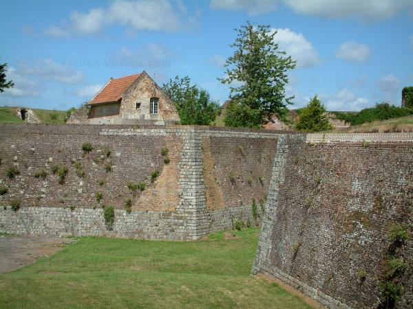 Montreuil-sur-Mer - Tourism, holidays & weekends guide in the Pas-de-Calais