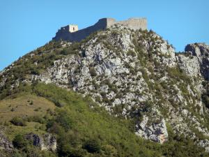 Montségur castle - Cathar fortress (remains, ruins) perched on a rocky outcrop (pog)