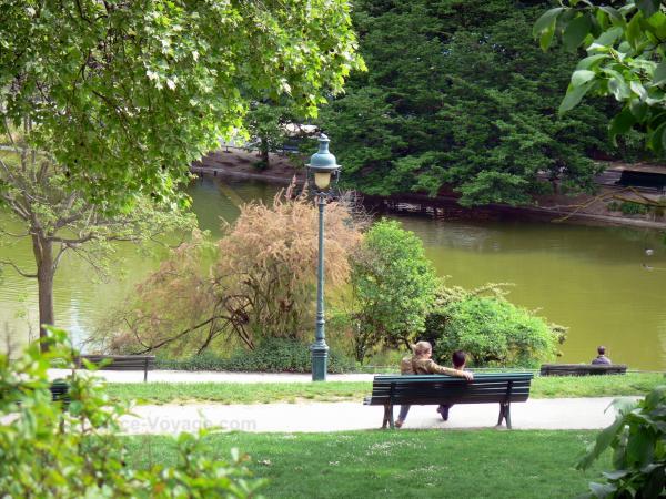 Montsouris park tourism holiday guide - Parking porte de saint cloud vinci park ...