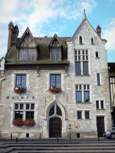 Moret-sur-Loing - Facade of the town hall