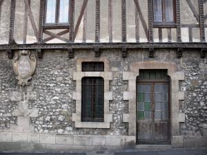 Moret-sur-Loing - Front of the barley sugar house (former hospital) home to the Musée du Sucre d'Orge des Religieuses de Moret, a barley sugar making museum