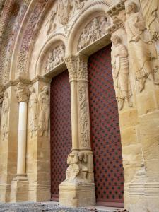 Morlaàs church - Carved portal of the Sainte-Foy Romanesque church