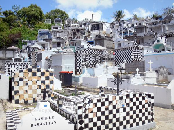 Morne-à-l'Eau cemetery - Tourism, holidays & weekends guide in the Guadeloupe