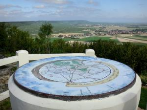 Mount Aimé - Viewpoint: viewpoint indicator of the mount Aimé with its view of the vineyards of Côte des Blancs (Champagne vineyards), the surrounding villages and the fields