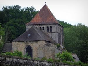 Moutier-d'Ahun - Romanesque church (ancient abbey) and trees