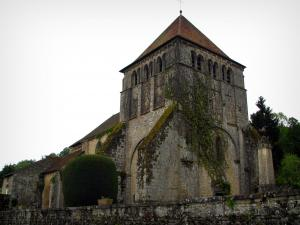 Moutier-d'Ahun - Romanesque bell tower of the church