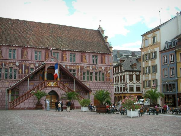 Mulhouse - La Reunion Square with its town hall (painted facade) and its old houses