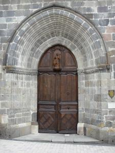 Mur-de-Barrez - Portal of the Saint-Thomas-de-Canterbury church