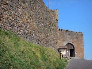 Murol castle - Fortified gate (entrance to the fortress); in the Auvergne Volcanic Regional Nature Park, in the Monts Dore mountain area