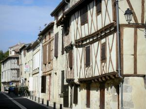 Nérac - Facades of half-timbered houses in the Rue Séderie street