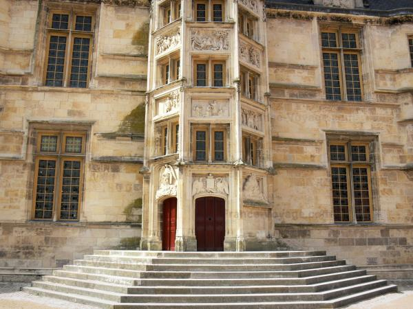 Nevers - Tourism, holidays & weekends guide in the Nièvre
