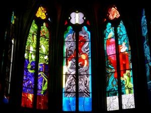 Nevers - Inside the Saint-Cyr-et-Sainte-Julitte cathedral: contemporary stained glass windows