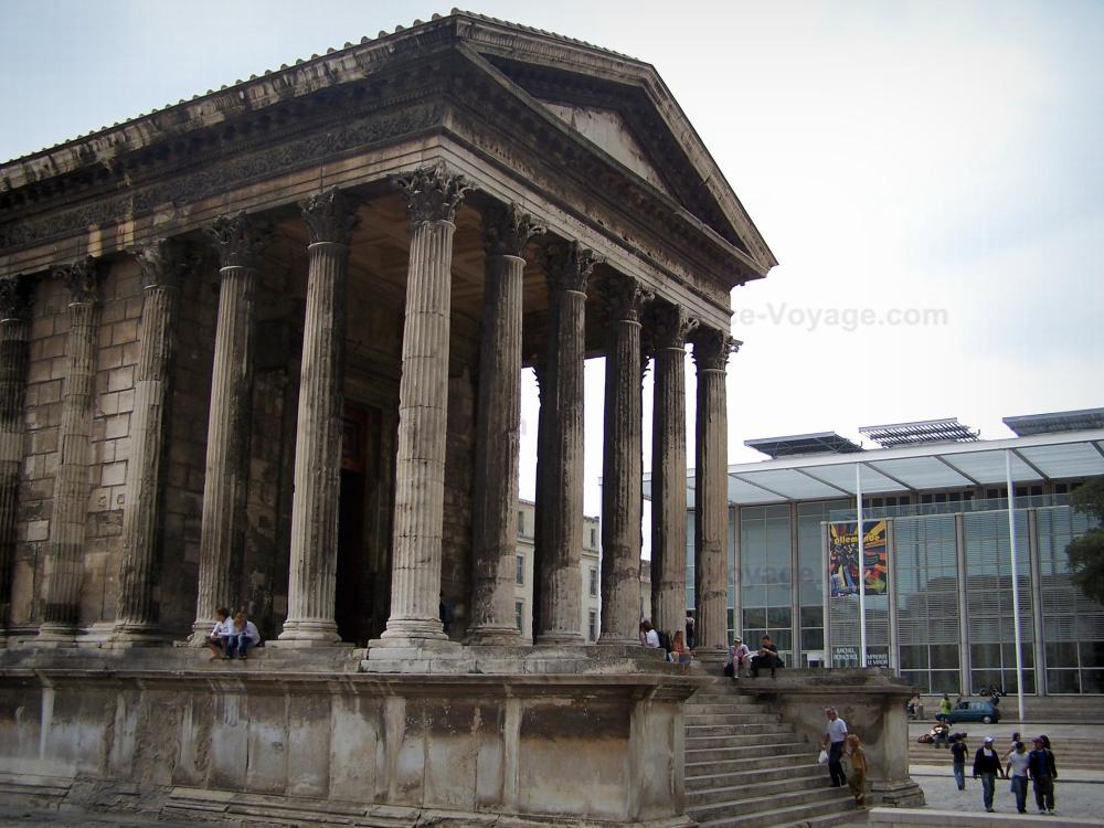 Nîmes   Square House (Maison Carrée, AncientRoman Temple) In Foreground,  Carré D