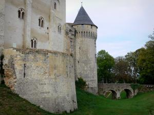 Nogent-le-Rotrou - Keep and round tower of the Saint-Jean castle, in Perche