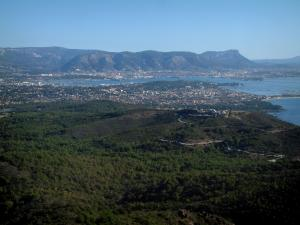 Notre-Dame-du-Mai chapel - From the chapel (Sicié cape peninsula), view of the Janas forest, La Seyne-sur-Mer, the coast, the Mediterranean Sea, the natural harbour of Toulon, the city of Toulon and the mount Faron