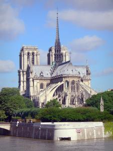Notre-Dame de Paris cathedral - View of the apse of the cathedral and the Seine river