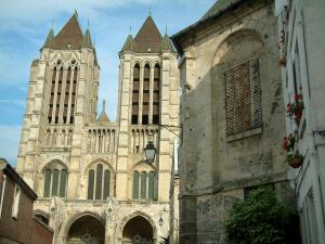Noyon - Houses of the city and the Notre-Dame cathedral of Gothic style