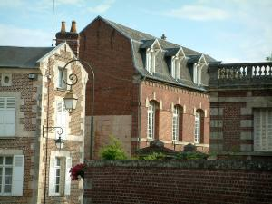 Noyon - Brick-built houses of the city
