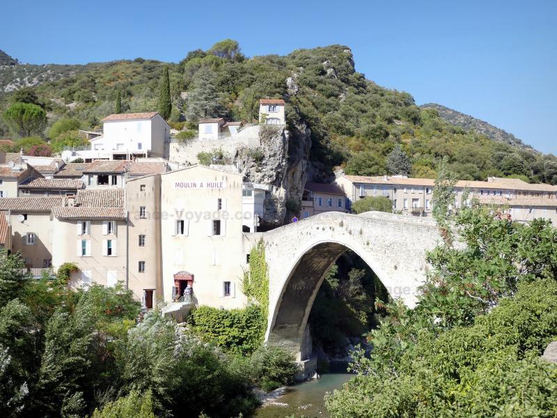 Nyons - Guide tourisme, vacances & week-end dans la Drôme