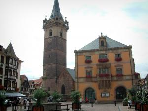 Obernai - Marketplace with the Sainte-Odile fountain, the town hall, belfry (Kapellturm) and half-timbered houses