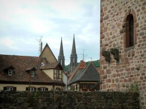 Obernai - Ramparts tower, houses of the old town and the Saints-Pierre-et-Paul church