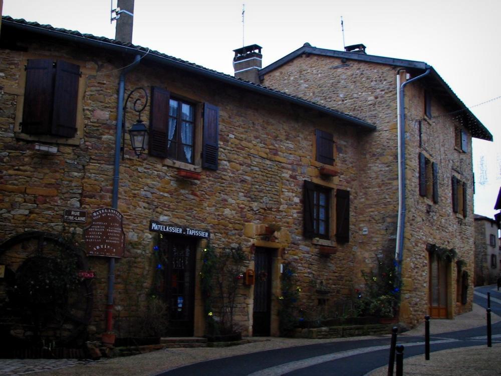 Photos oingt guide tourisme vacances for Avis sur maison pierre