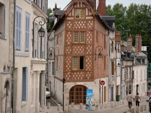 Orléans - Streets and houses of the old town