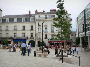 Orléans - Buildings and shops of the Châtelet square