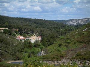 Paesaggi della provenza 12 immagini di qualit in alta for Case ricoperte di edera