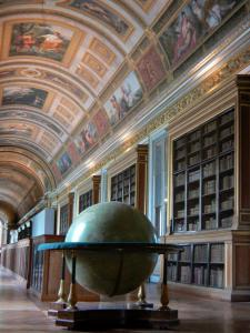 Palace of Fontainebleau - Interior of  the Palace of Fontainebleau: State Apartments: Diane Gallery (library) and its globe
