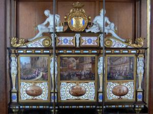 Palace of Fontainebleau - Interior of  the Palace of Fontainebleau: Plates gallery: box, covered with Sevres porcelain depicting the marriage of the Duke of Orleans with Princess Hélène de Mecklembourg-Schwerin