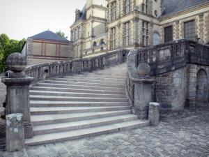 Palace of Fontainebleau - Horseshoe staircase in the White Horse courtyard (Farewell courtyard)