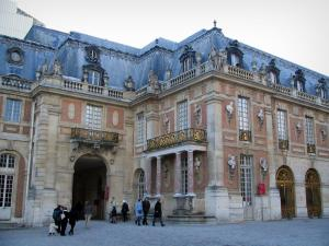 Palace of Versailles - Facade of the castle and the Midi arch