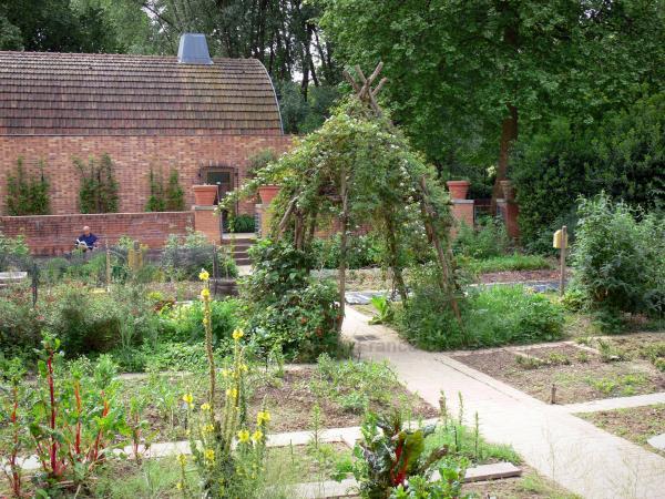 Parc de bercy 11 images de qualit en haute d finition for Jardin yitzhak rabin