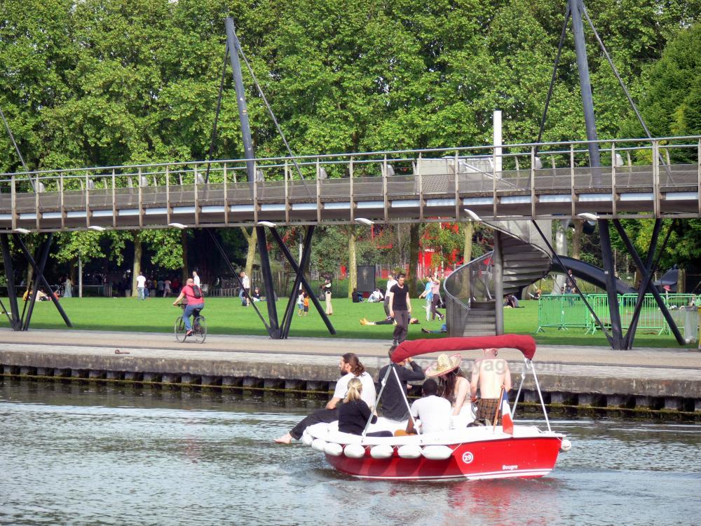 Photos le parc de la villette guide tourisme vacances for Piscine de villette de vienne