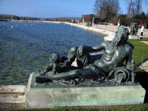 Park of the Palace of Versailles - Statues and waterbed pond (parterre d'Eau)