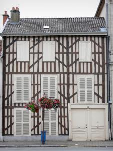 Pays du Der - Facade of a half-timbered house in Montier-en-Der
