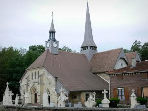 Pays du Der - Notre-Dame-en-sa-Nativité church and cross of the Puellemontier cemetery