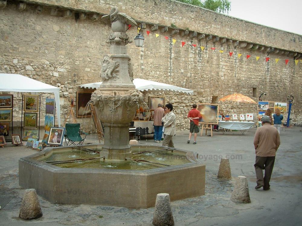 Photos pernes les fontaines guide tourisme vacances - Pernes les fontaines office de tourisme ...