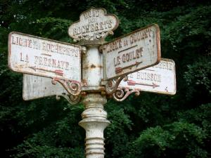 Perseigne forest - Crossroads signpost - Rond des Rocherets