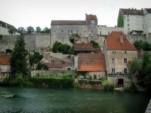 Pesmes - Ognon river, houses, ramparts (fortifications) and castle