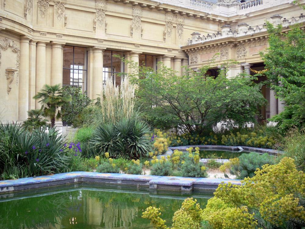 Photos le petit palais guide tourisme vacances for Petit jardin interieur