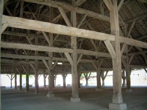 Piney hall - View under the wooden covered market hall