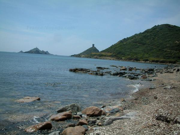 La pointe de la Parata - Guide tourisme, vacances & week-end en Corse-du-Sud