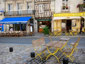 Poitiers - Restaurants terraces and houses of the Charles de Gaulle square