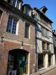 Pont-Audemer - Brick and half-timbered houses