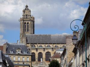 Pontoise - Tower of the Saint-Maclou cathedral and facades of houses in the town
