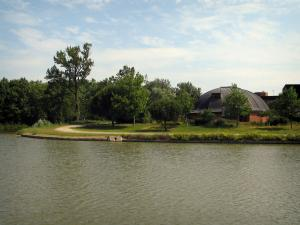 Port-Lauragais - Lake and buildings